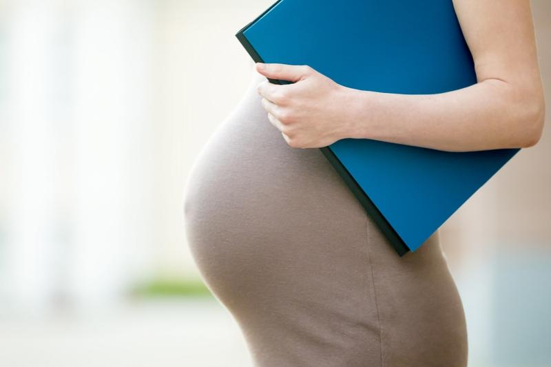 baja por maternidad en trabajadora autónoma